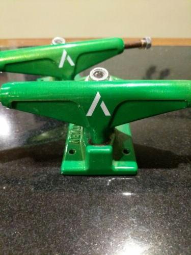 Venture Skateboard Trucks Electric Green